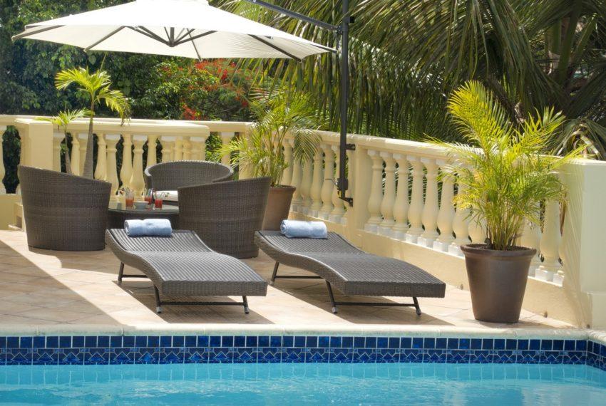 39255_Villa_vista_pool_chairs