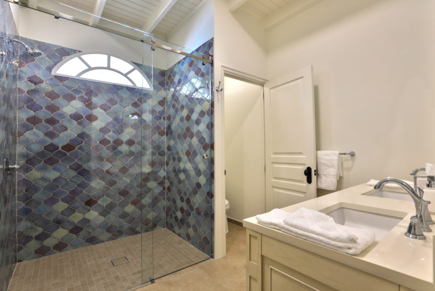039-Guest Bathroom 3