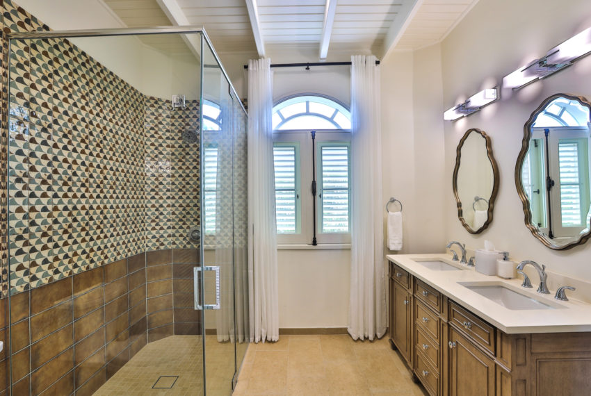 042-Guest Bathroom 4